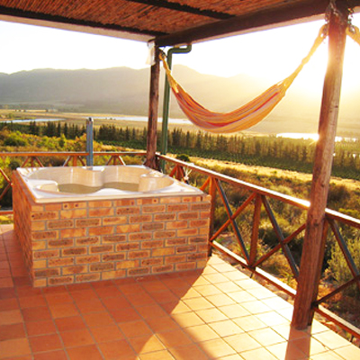 Midweek Winter break! Only R995 for two nights, for 2/4/6 people in secluded Mountain cottage with fireplace, Private Eco Sauna and Jacuzzi outside Citrusdal