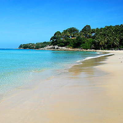 Romantic Getaway for 2 people for 7 nights only R3 340– Relax & enjoy 5 star accommodation in Phuket, Thailand, at the luxurious Surin Park Apartments!!
