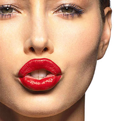 Get full, pouty, more kissable lips with the Luscious Lips Pump valued at R999 for only R499 including delivery!