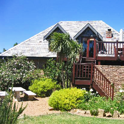 Stay 2 nights at the tranquil Cape Country Living with mountain and ocean views from R850!