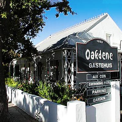 Relax in old world charm and enjoy B&B at Oakdene Guest house, Oudtshoorn! Only R450 pp sharing!