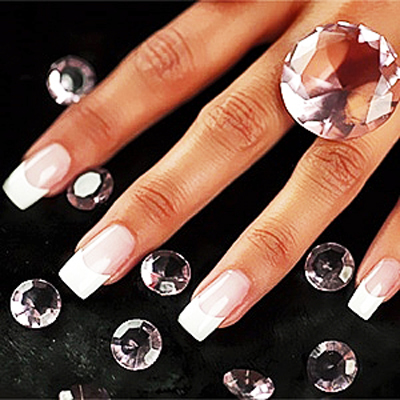 Get Glam Nails for your Matric Dance! Get a full set of acrylic tips, 4x Nail Art and a soak off after the Matric Ball! Only R198.00 at Cuthill's beautiful studio in Cape Town!