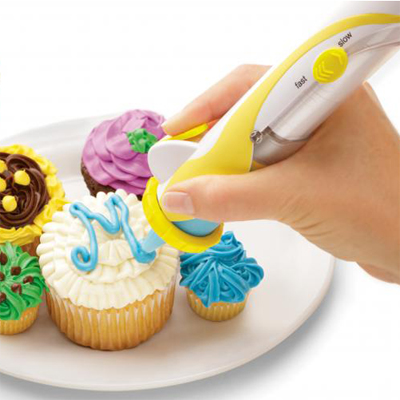 Ice cakes like a pro with the Frosting deco pen - only R199!