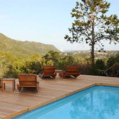 Enjoy a night stay at the breathtaking Piesang Valley Lodge in Plettenberg Bay - only R450 per room!