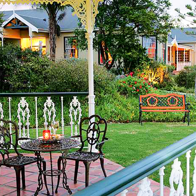 Unwind with a partner for 2 nights in sheer luxury at the 4* La Plume Guest House, Oudtshoorn. Your special stay will include welcome drinks, port in your room, breakfasts and a sumptious picnic basket! All for only R2550!