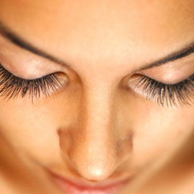 A full set of luscious eyelashes for R199 - 67% discount! Only 40 coupons available!!