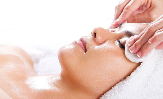 Enjoy a 60-minute classic smooth facial and more!