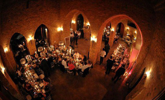 Romantic dinner for 2 with live music and more