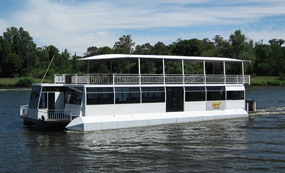 A 2 hour Vaal Wine Route cruise + Sunday lunch for 2