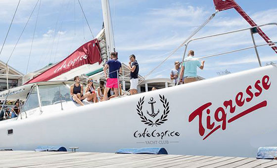 A 90 minute cruise for 2 people with Yacoob Yachts