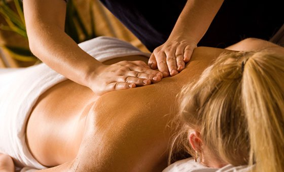 Full body 60 minute deluxe swedish massage at Oeresta Health Spa