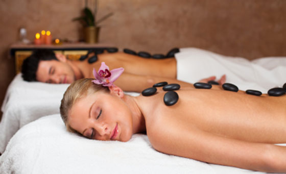 An indulgent 1 hour spa pamper package for 2