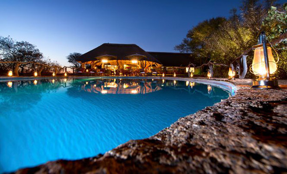 2 night stay for 2 including all meals and a game drive at Thaba Khaya Lodge