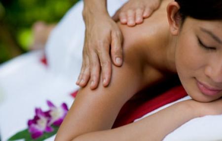 Spa Jahzara, Fruity facial, full back body massage, foot scrub plus foot massage less 55%