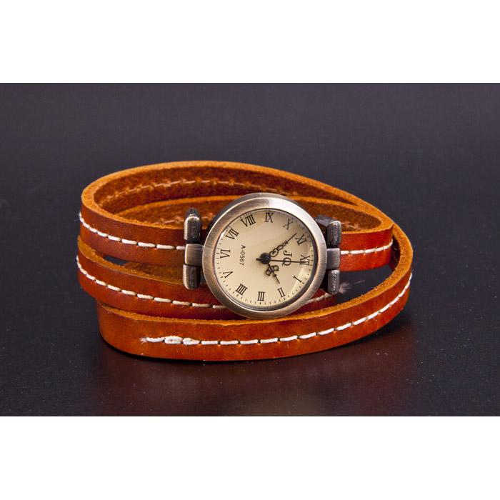 Brown Vintage Watch 100411