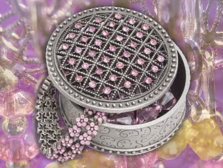 Here's One For The Girls! Pay R129 for an Imported Stunning Round Trinket Box, valued at R399 from DealClick Collection (68% off). Nationwide Delivery Included