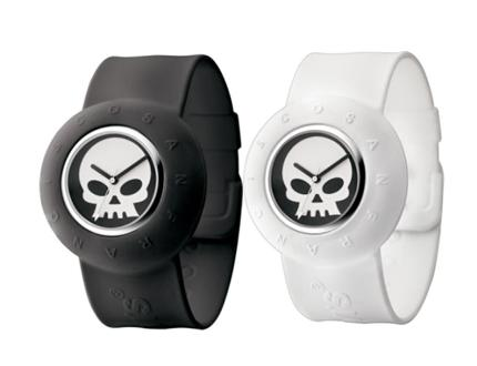 Be Original! Pay R259 for a Levis Skull Logo Analog Smart Unisex Watch in either White (LTG0616) or Black (LTG0617) valued at R525 from DealClick Watches (51% off). Nationwide Delivery Included