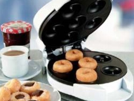 Make Mouth-Watering Doughnuts at Home! Pay R225 for a Sunbeam Doughnut Maker, valued at R399 from DealClick Collection (44% off). Nationwide Delivery Included