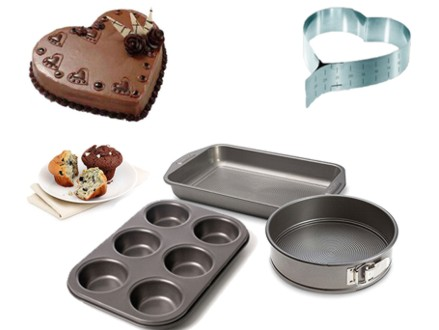 Great Baking Combo Set! Pay R259 for a Heart Shaped Baking Tin, as well as a 3 Piece Baking Set, valued at R499 (48% off). Nationwide Delivery Included