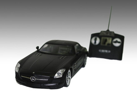 Pay R469 for a Mercedes Benz SLS AMG 1:14 Remote Control Car, including National Delivery (worth R939)