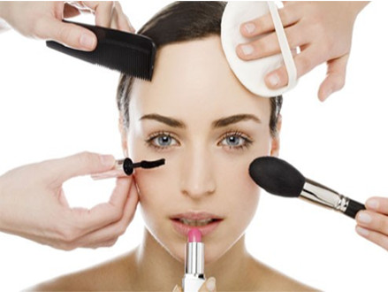 Pay R399 for a Head, Foot and Hand Make-Over, at Skin Essence Studio (worth R840)
