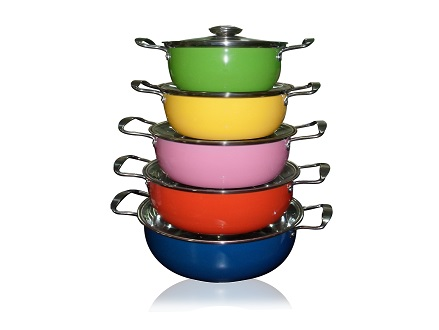 Pay R669 for a 5 Piece MULTI-COLOURED STAINLESS STEEL COOKWARE SET, valued @ R1339,00. Includes national delivery via courier.