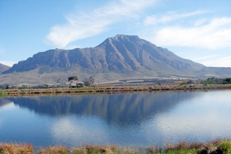 Tulbagh: Self-Catering Midweek Accommodation at Reflections Guest Farm
