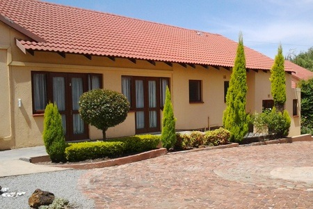 Johannesburg: Stay for Two at Dumelang Executive Lodge