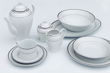 Ravataki 47-Piece Dinnerware Set for R1 599.99 Including Delivery (36% Off)