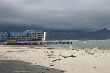 Somerset West: Self-Catering Accommodation For Four People at Sandz 11 Beach Apartment