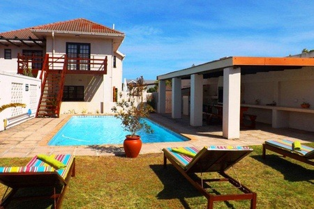 Hermanus: B&B Stay for Two at Rochester Manor