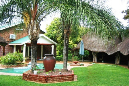 Thabazimbi: Accommodation For Two Including Breakfast at Nader Gastehuis