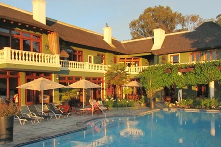 Cape Winelands: B&B Accommodation with Golf and Wine Tasting Vouchers at Ridgemor Villa Guesthouse