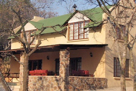 Vaalwater: Accommodation for Up to 11 at Waterberg Cottages