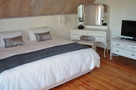 Port Edward: Accommodation For Up to Five at Zesty Guesthouse