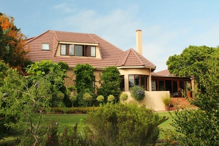 Mossel Bay: B&B Accommodation for Two at Bella Sombra Guest House