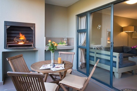 Cape Town: Stay for Up to Four People at Burgundy Luxury Apartments