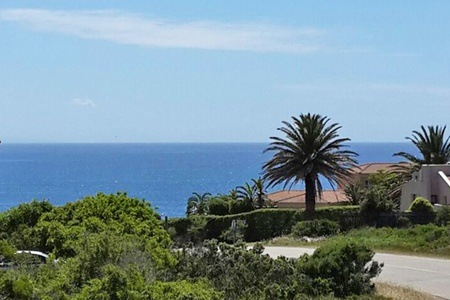 St Francis Bay: Self-Catering Accommodation for Up to Six at St Francis Bay