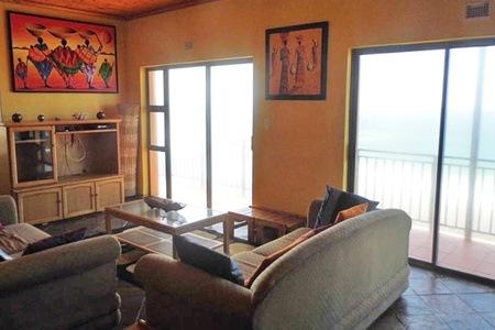 KwaZulu-Natal: Self-Catering Stay For 10 at Ifafa Beach House