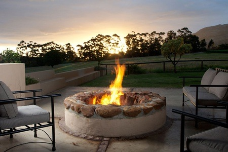 Stanford: Accommodation for Two Including Breakfast at Blue Gum Country Estate