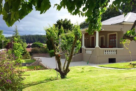 Elgin Valley: Self-Catering Accommodation for Up to 10 at Bear Trap Lodge