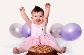 Cake Smash Photoshoot for R199 at MaX Studios (70% Off)
