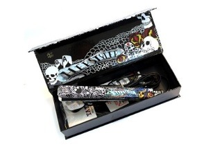 Herstyler Tattoo Black Ceramic Hair Straightener for R649 Including Delivery (46% Off)
