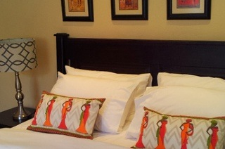 Johannesburg: Two-Night Weekend or Weekday Stay for Two at Sollunaa Guesthouse
