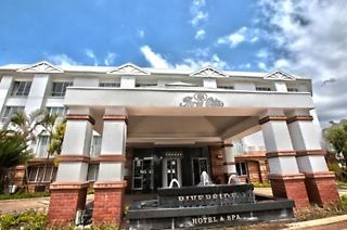 Durban: One or Two-Night Weekend Stay for Two People Sharing at Three Cities Riverside Hotel & Spa