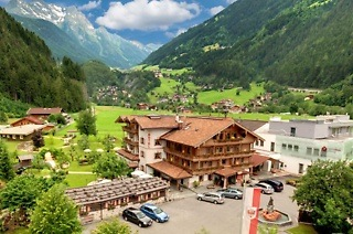 Austria: Two, Four Six-Night Stay for Two, Including Buffet Breakfast, Snacks, Dinner and Car Hire at Hotel Gutshof