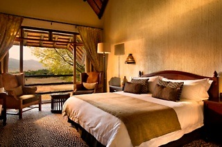 Pilanesberg: 3-Night Weekday Stay in a Studio Room Including Breakfast, Dinner and Game Drives at Bakubung Bush Lodge