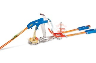 Hot Wheels Double Jump Showdown Track Set for R249 Including Delivery (50% Off)