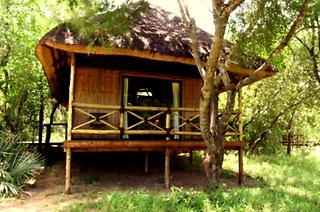 Hluhluwe: Two or Three-Night Stay for Two, Including Breakfast and Dinner at Makhasa Game Reserve and Lodge