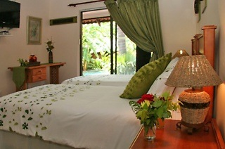 Johannesburg: Two-Night Weekend or Weekday Stay for Two at Condor Guest House